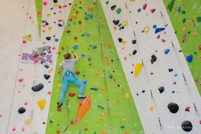 Vorstiegsklettern in der Kletterhalle in Wörgl