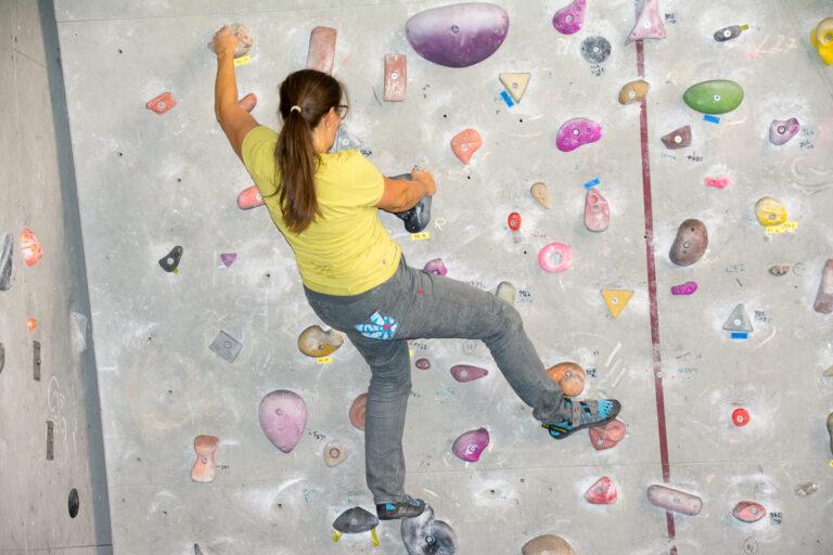 Klettertreffen in der Kletterhalle in Kufstein mit Moni Weißsteiner